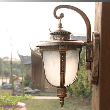 Giới thiệu 3 mẫu đèn trang trí sân vườn được yêu thích nhất 2018