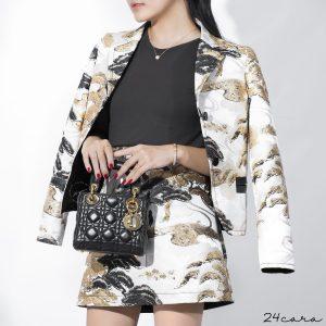 """Chiếc túi xách kinh điển chưa bao giờ hết """"sốt"""" của Dior"""