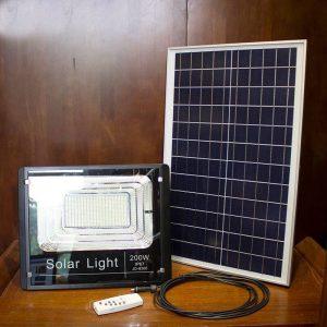 Mua đèn năng lượng mặt trời 200w tại Công Nghệ Xanh VN