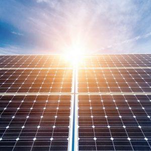 Hệ thống điện năng lượng mặt trời có tích điện cho gia đình