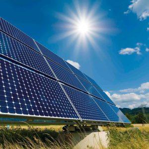 Tìm hiểu về pin năng lượng mặt trời poly và mono