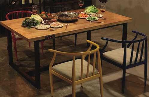Bộ bàn ghế gỗ nhà hàng phong cách Ý